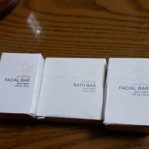 Purifying bath facial bar